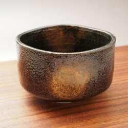 日本美濃燒抹茶碗-焠火黑砂金